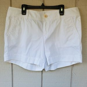 Lilly Pulitzer White  Callahan Short size 8